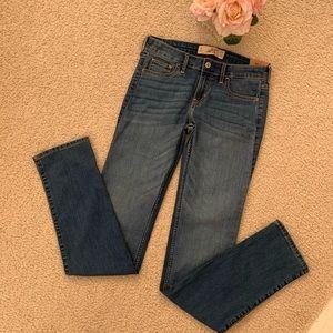 New Hollister Skinny Blue Jeans 27x34